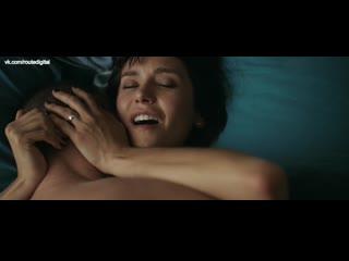 Nina Dobrev - Lucky Day (2019) 1080p WEB Nude Sexy! Watch Online / Нина Добрев - Киллер по вызову