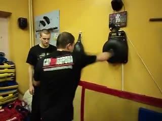 Как тренировать мощный удар прямой правой Тренировка нокаутирующего удара