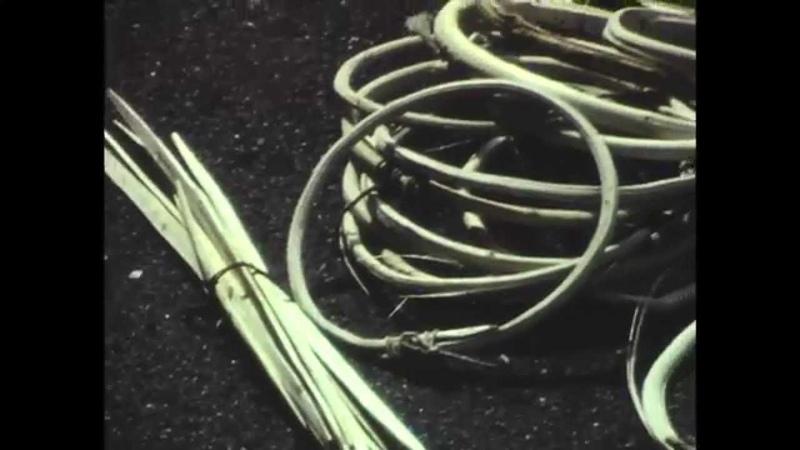 Tradizioni della Valposchiavo la realizzazione di cesti in vimini