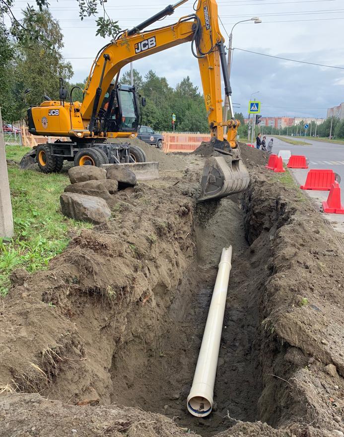 Замена водовода по улице Бредова