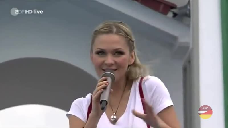 Linda Hesse - Knutschen... Ich Kann Nichts Dafür (ZDF-Fernsehgarten 29.06.2014)