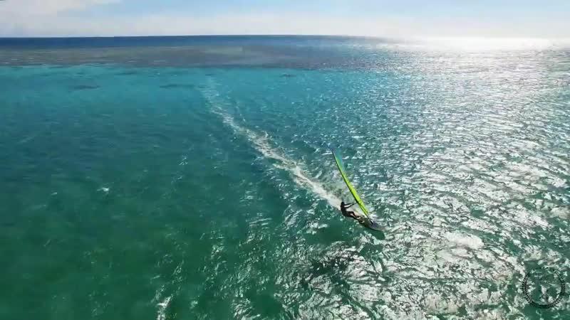 Extreme Foil Windsurfing