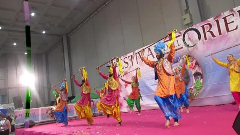 Пенджабский танец плодородия на Фестивале Востока