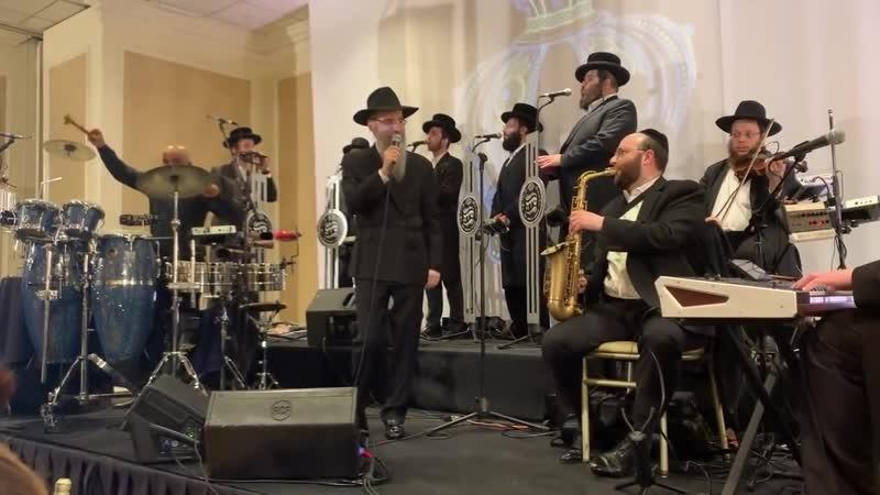 Avraham Fried Shira Choir Hachnosas Sefer Torah Nisht Gedaiget Yiden A Sheinem Cholem