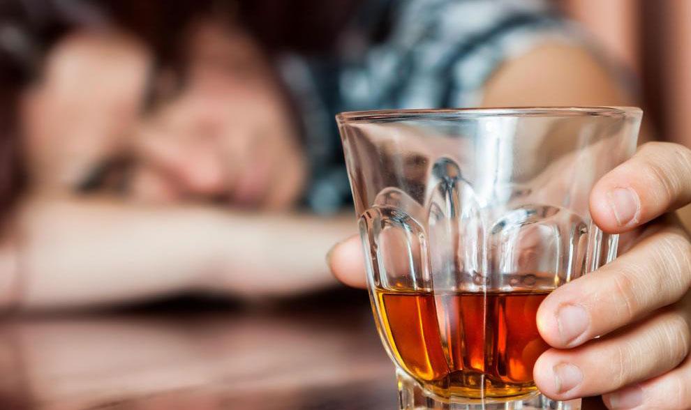 Алкоголики подвержены пневмококковой инфекции.