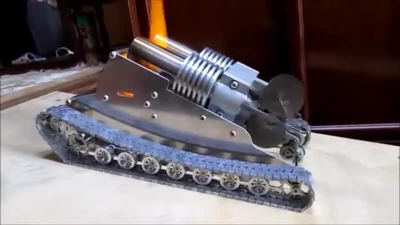 Гусеничная модель с двухцилиндровым двигателем стирлинга