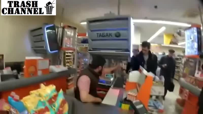 борцуха-кассир в дикси