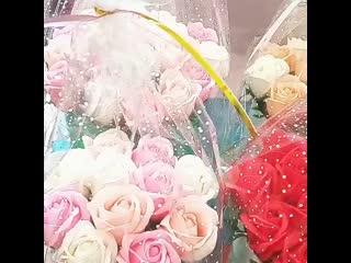 шляпные коробки с розами из пены для ванны