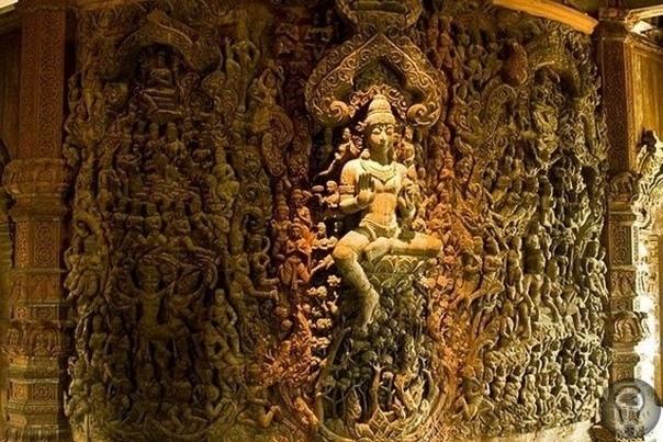 Храм Истины в Паттайе.