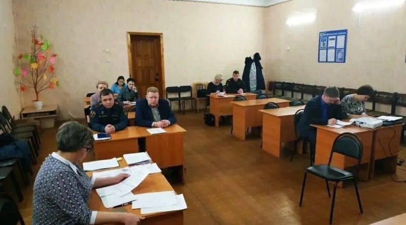 Комиссия по делам несовершеннолетних и защите их прав администрации Петровского района подвела итоги года
