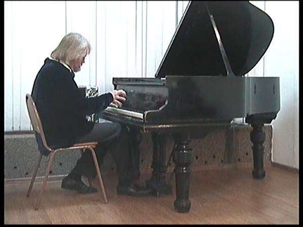 Музыкальная Атлантида СМЕЛЫЙ НАЕЗДНИК Шуман Р за роялем Андрей КАТИЧЕВ