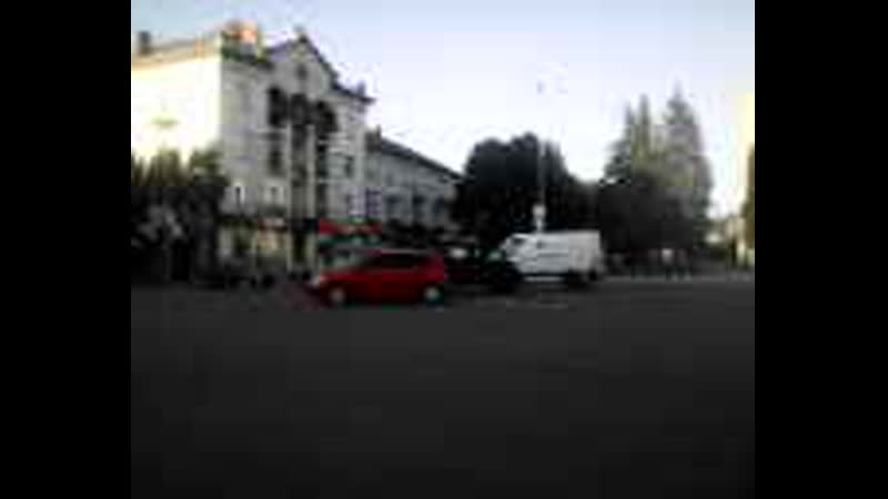 Авария На Площади Друзья