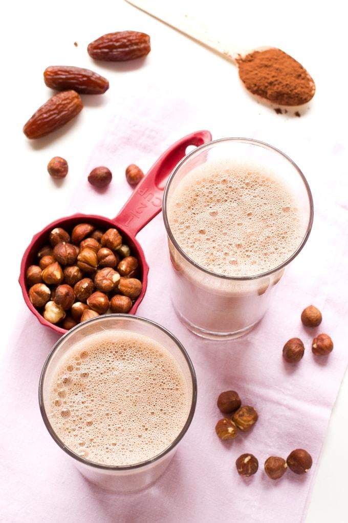 Дети просто в восторге: как сделать в домашних условиях шоколадно-ореховое молоко из фундука