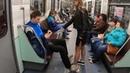 Активистка, обливавшая мужчин в метро отбеливателем, сперва испытала смесь на своем парне. ФАН-ТВ