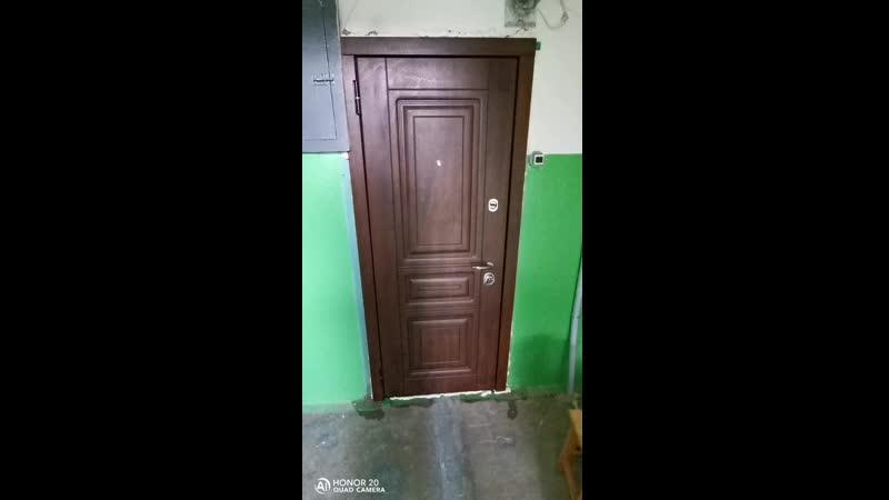 Вотак должна закрываться дверь