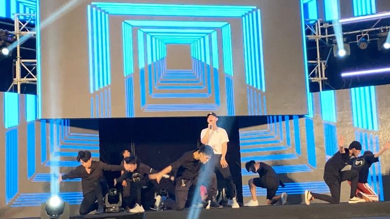 Người Ấy Là Ai - Gia Huy, Thanh Lâm đọ vũ đạo cùng ca sĩ trở về từ Hàn Quốc Roy Nguyễn - Z Boys