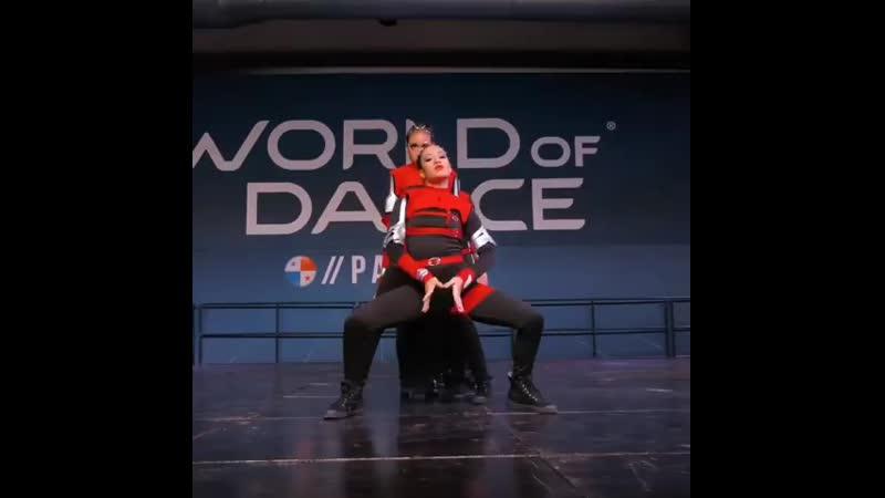 Rate their performance 1️⃣-🔟 . 𝗙𝗢𝗟𝗟𝗢𝗪 👉 @dancellove 🔥  TURN ON 𝗣𝗼𝘀𝘁 𝗡𝗼𝘁𝗶𝗳𝗶𝗰𝗮𝘁𝗶𝗼𝗻𝘀 🙏 . Dancers: @minidancersmb . dance dancello