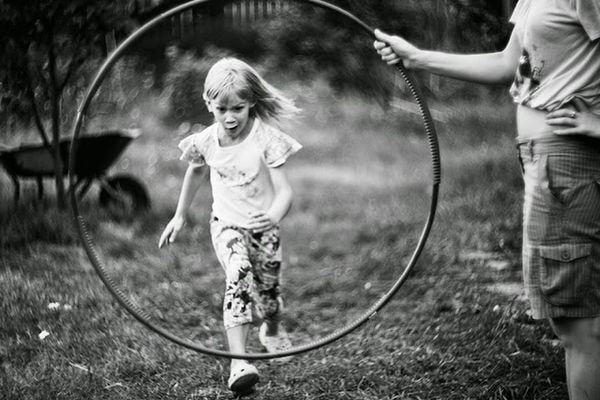 Нельзя без последствий для здоровья изо дня в день проявлять себя противно тому, что чувствуешь; распинаться перед тем, чего не любишь, радоваться тому, что приносит несчастье