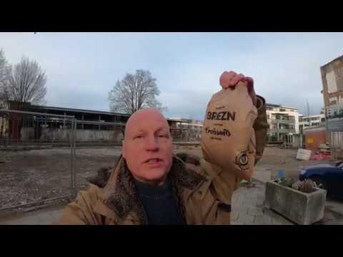 Protestaktion am SPD-Briefkasten: Rein mit den Bäckerbons!