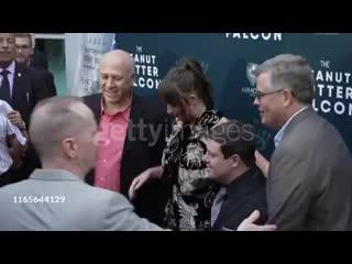 Дакота Джонсон/на премьере фильма Сокол из Арахисовой пасты 01/08/19