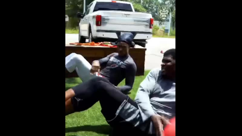 @deandrehopkins and @ajohnson1500 still putting in work together 💯 Underrated duo