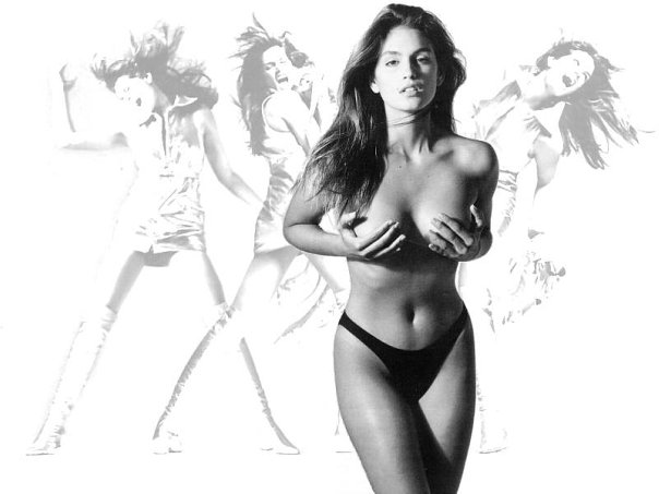 Sexy cindy crawford shows life's a beach