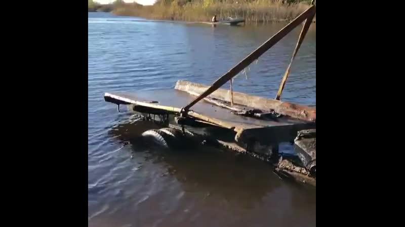 Со дна Ладожского озера подняли автомобиль времен ВОВ
