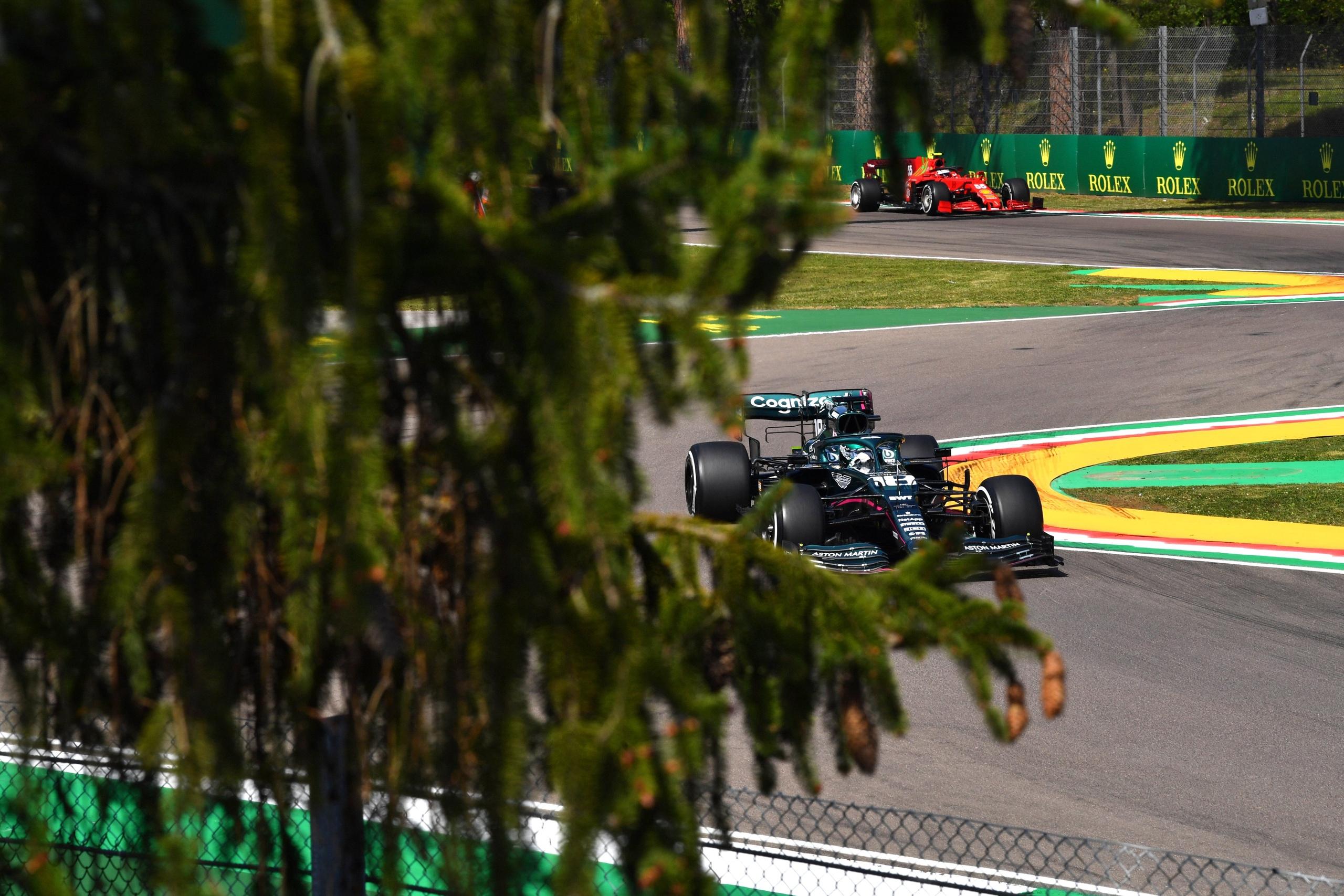 Лэнс Стролл выводит Aston Martin на пятое место в кубке конструкторов по итогам гран-при Эмилии-Романьи 2021 года