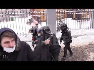 Акция сторонников Навального в Москве. Мама не знает, что я здесь