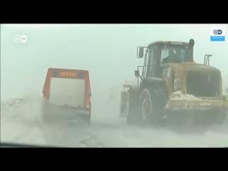Лавины, наводнения и снегопады: на Европу обрушилась непогода