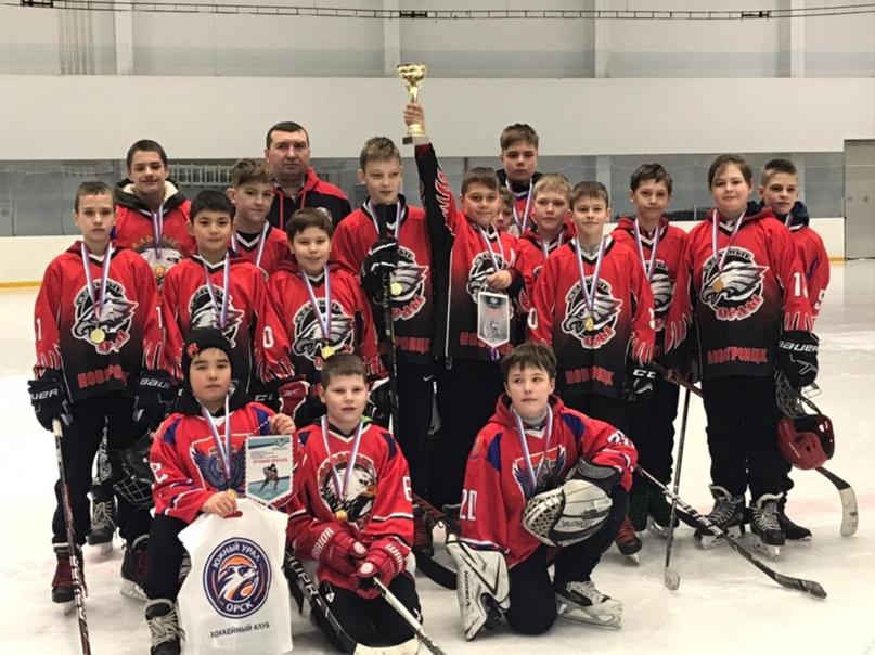«Стальные орлы» стали лучшими хоккеистами Оренбуржья