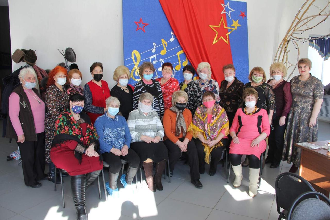В районном Доме культуры Петровска прошла развлекательная предпраздничная программа