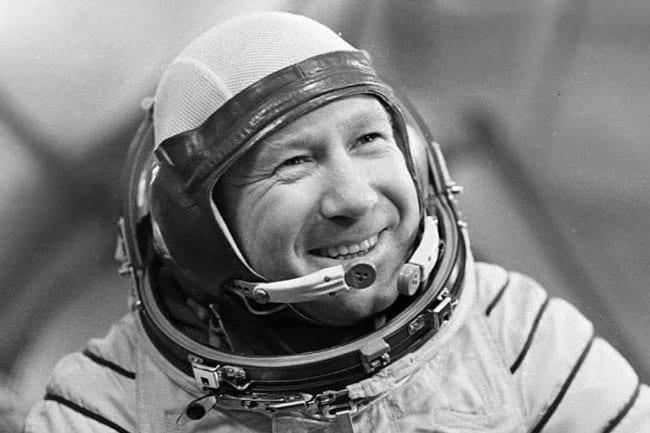 В этот день 56 лет назад, 18 марта 1965 года, советский космонавт Алексей Леонов совершил первый в мире выход в открытый космос