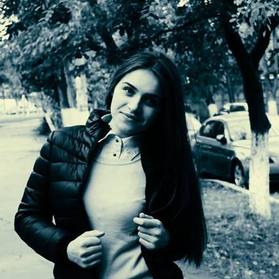 Алена Хмелевская
