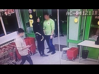 Попытка ограбления и драка в магазине Пятерочка г. Ярославль.