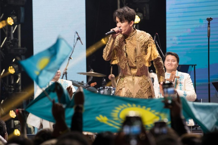 Я Димашифицирована! Как иностранцы заразились творчеством казахского певца, изображение №4