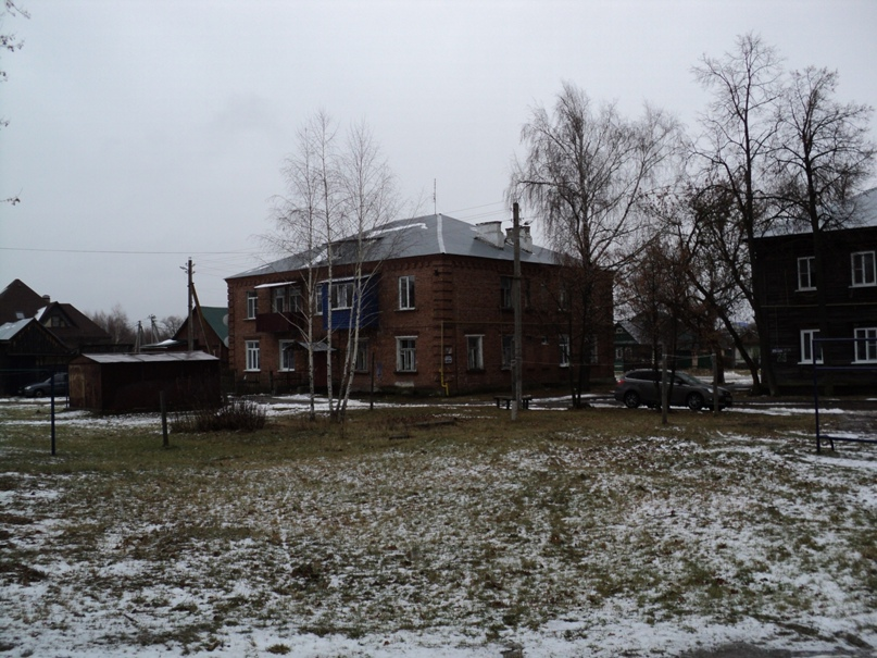 Типовая советская жилая архитектура 50-х годов в Белоомуте., изображение №30