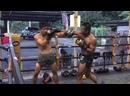 Буакав тренит в своём Banchamek Gym