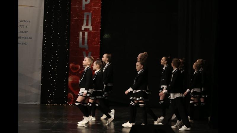 Премьера нового танца 6Б в кино нашей группы Танцевального квартала