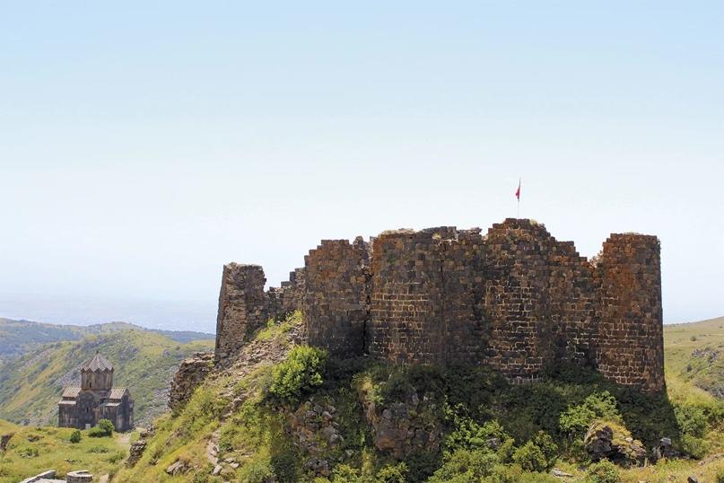 Средневековая крепость – замок Амберд