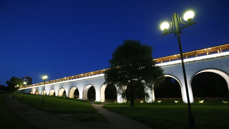 Ростокинский Акведук украсили новой подсветкой