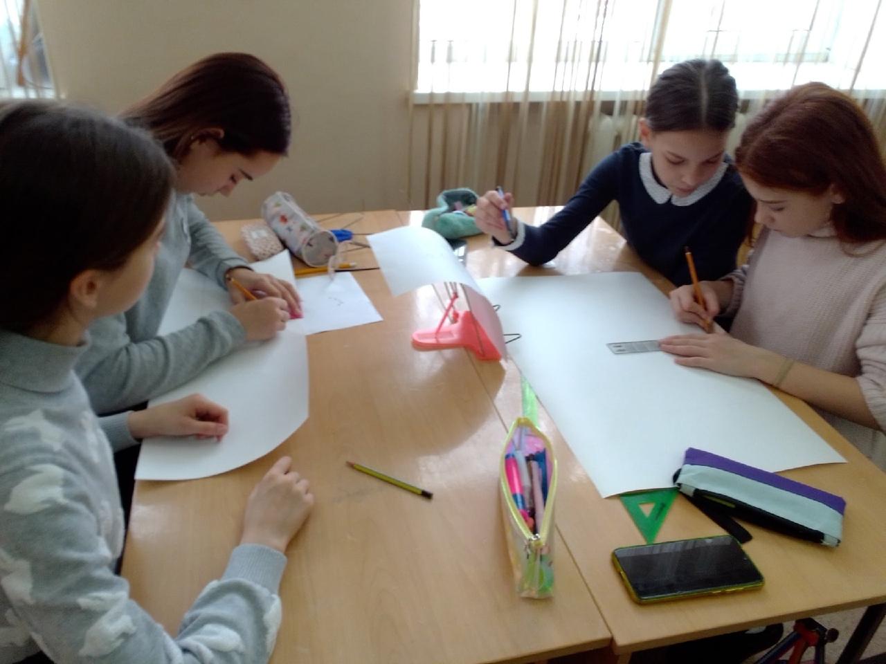 Воспитанники Центра «Точка роста» школы №1 учатся основам профессии архитектора