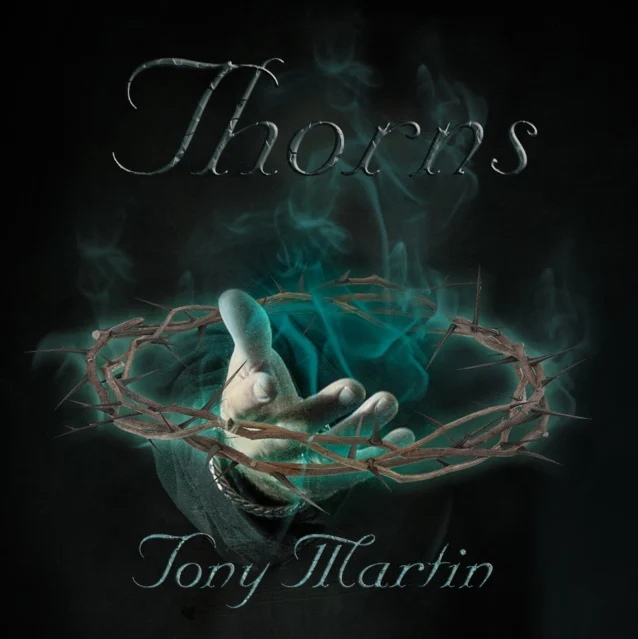 """Бывший вокалист Black Sabbath Тони Мартин выпустит свой новый долгожданный сольный альбом """"Thorns""""."""