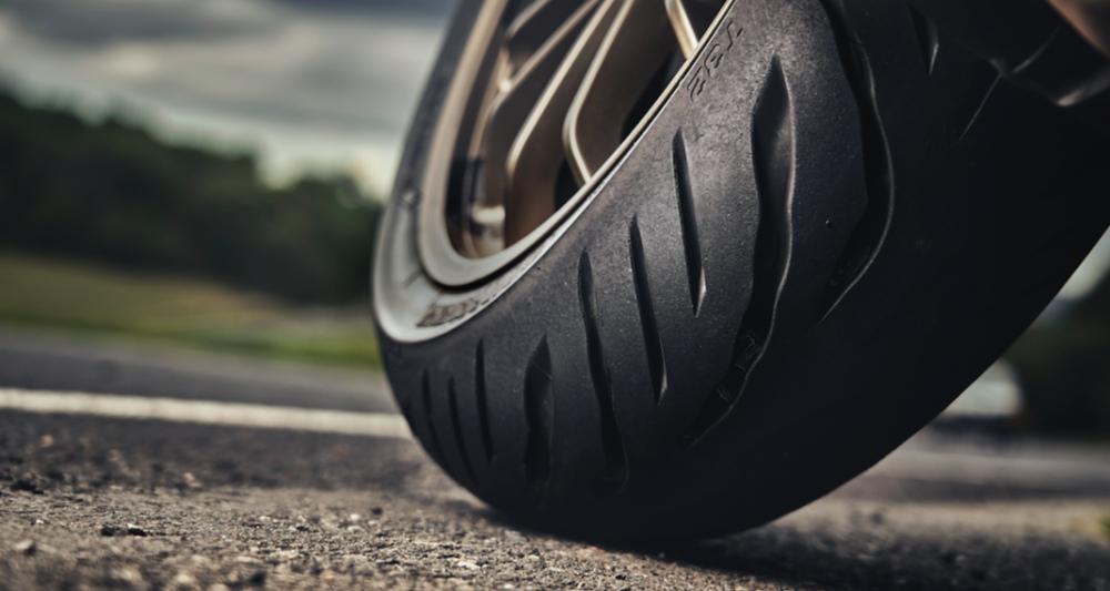 Новая спортивно-туристическая резина Bridgestone Battlax