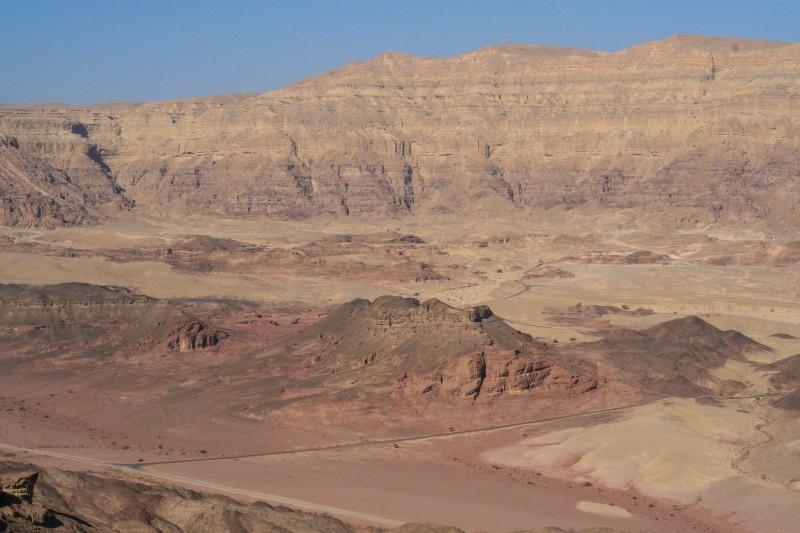 Земля один огромный древний карьер, изображение №74