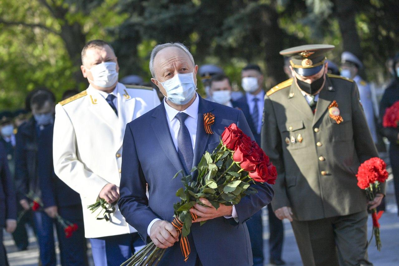 Поздравление губернатора Валерия Радаева с Днём Победы