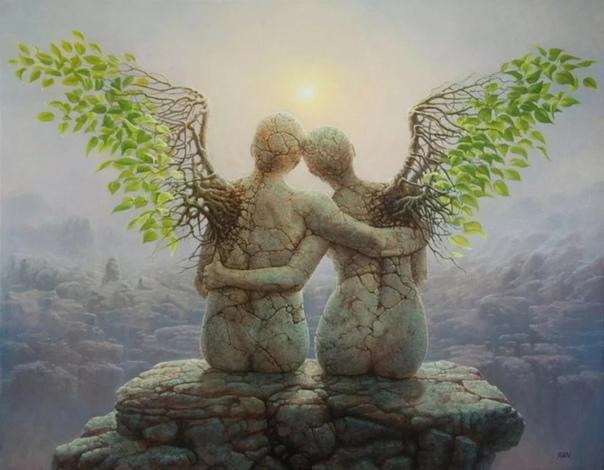 Близость случается тогда, когда мы подходим друг к другу очень близко, и начиная видеть реальность, а не свою фантазию  у нас не появляется желания друг друга переделать, улучшить, исправить и мы не перестаём нравится друг другу