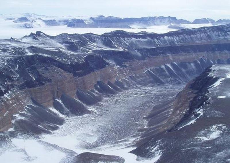 Земля один огромный древний карьер, изображение №64