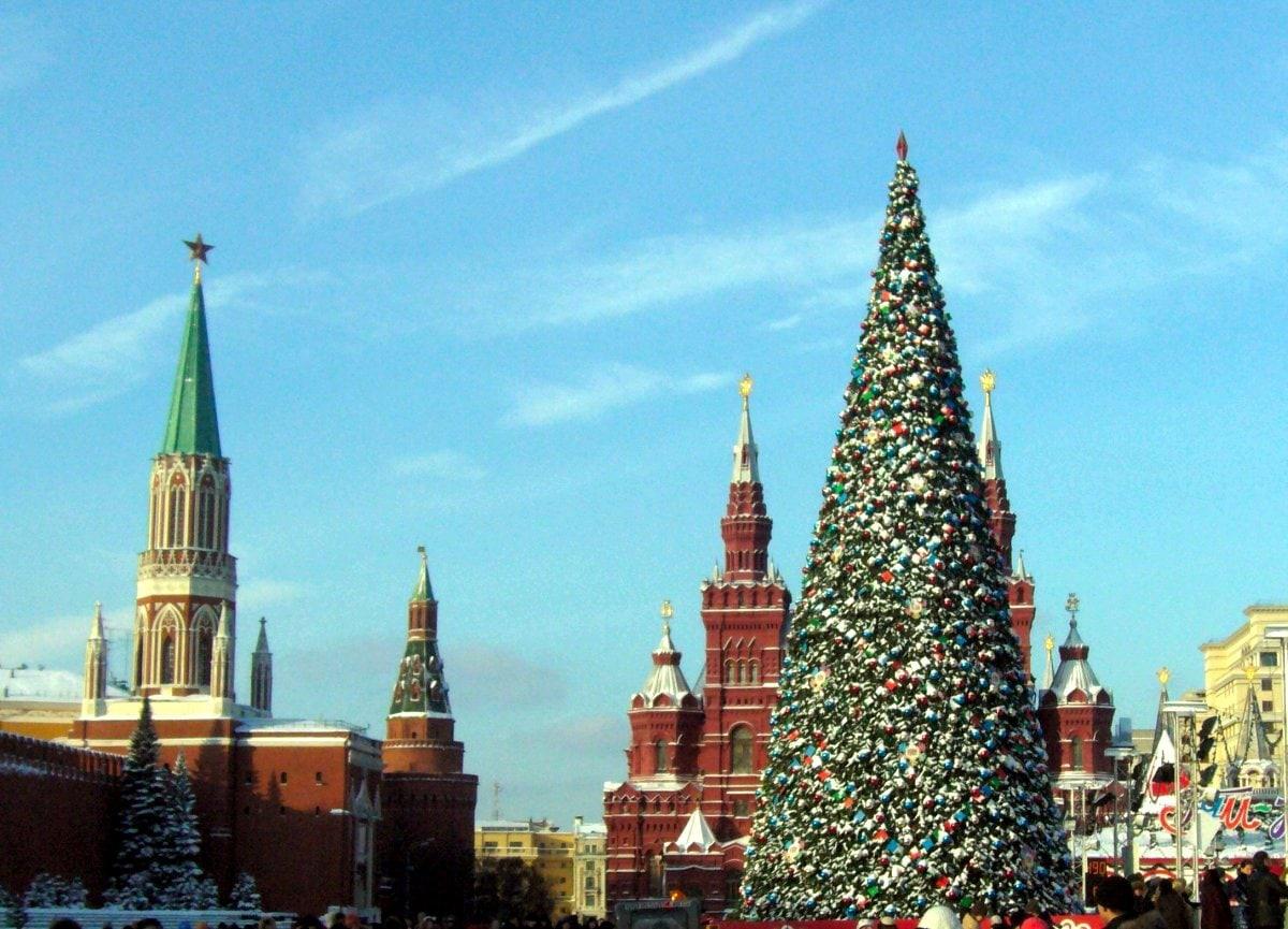 Юные жители Удмуртии смогут посетить Кремлевскую ёлку.