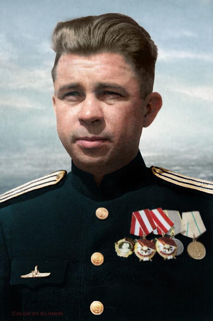 Маринеско Александр Иванович (2 [15 по новому стилю] января 1913 года, Одесса, Х...